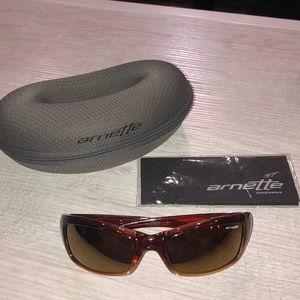 Women's Annette Tantrum 4037 Sunglasses